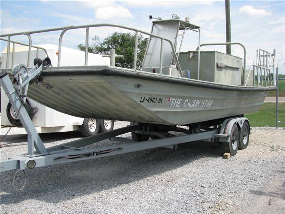 Advantages : This fishing boat is very stable in calm weather. This ...